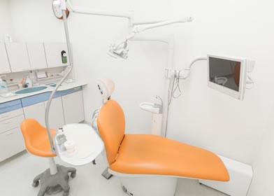 松原市の歯医者すが歯科の診療チェア